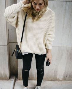 Carolyn Taylor cream pullover knit sweater